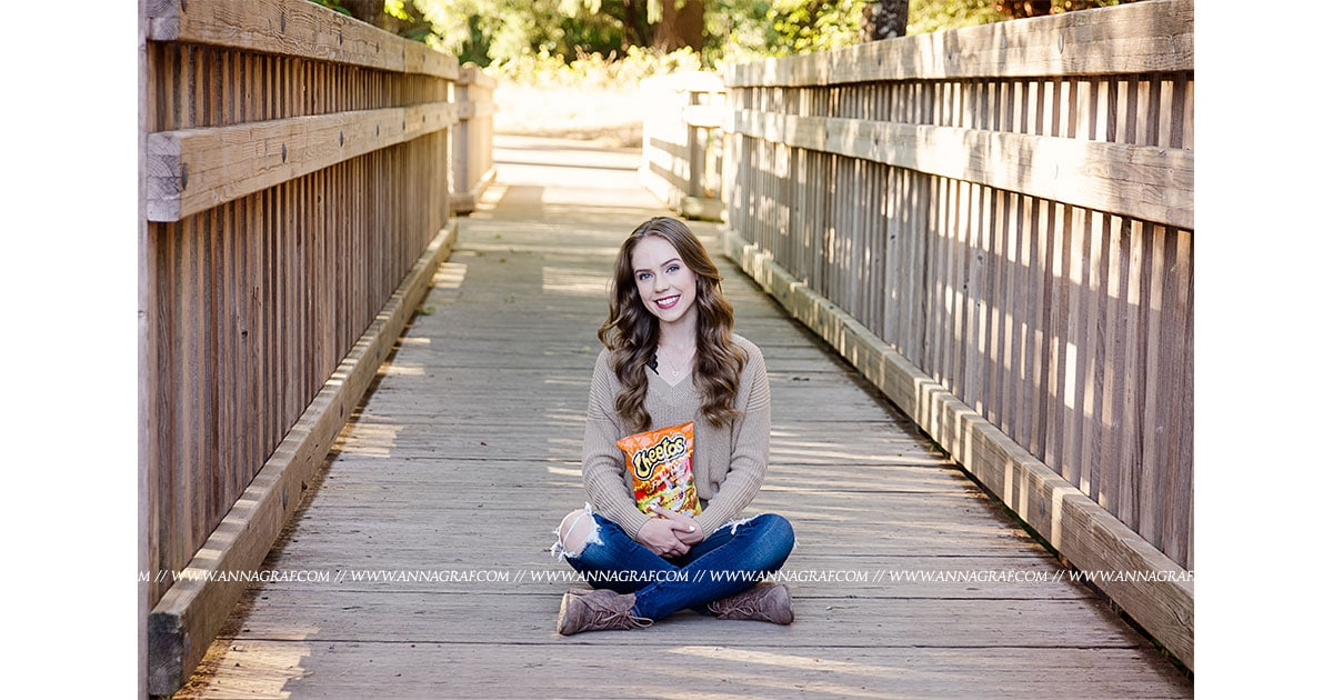 AnnaGrafPhotography-SeniorPictures-Cheetos5