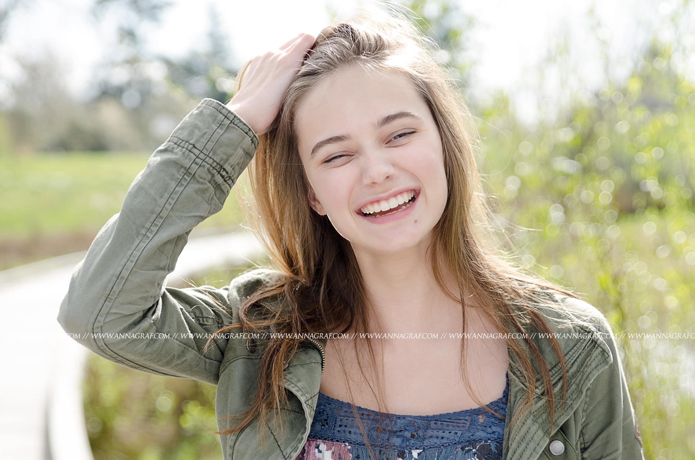 senior-pictures-portland-smiles-anna-graf-photography