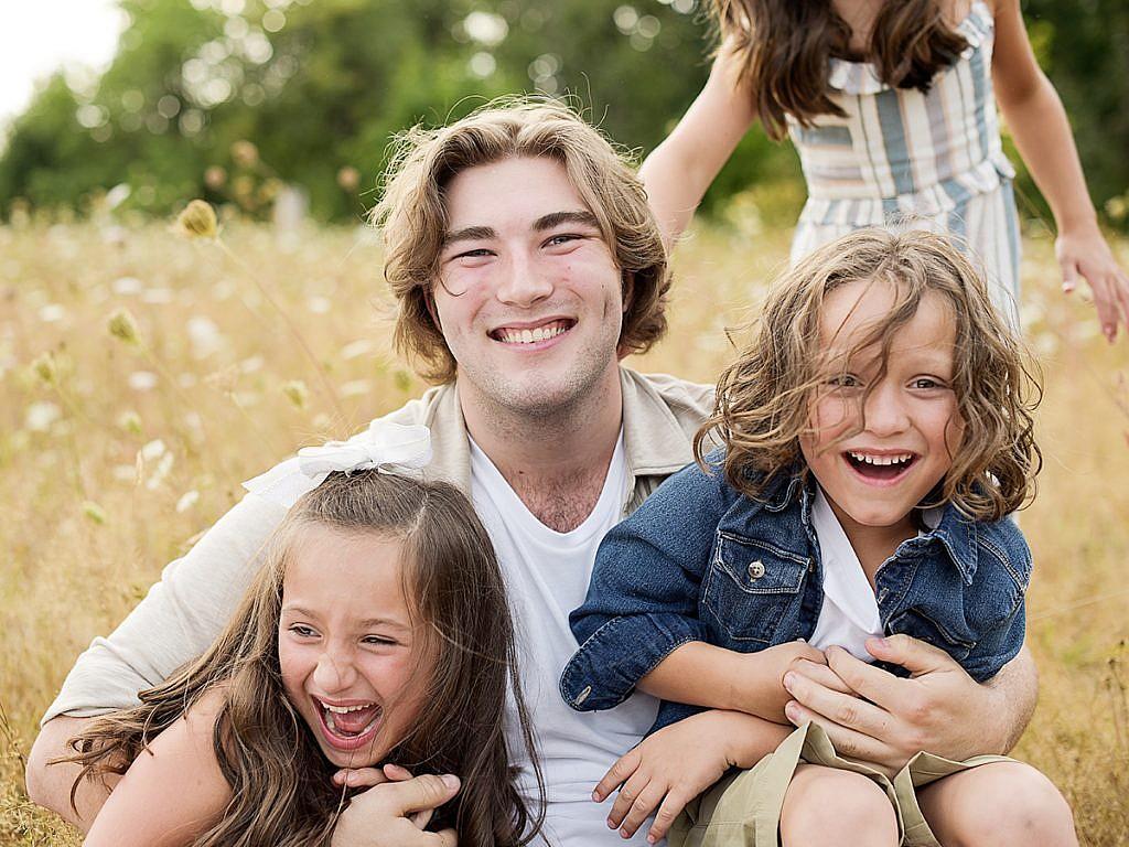 family tackle family portraits Anna Graf Photography