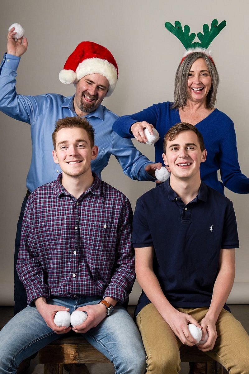 Family Holiday pictures in the studio - Portland, Oregon - Anna Graf Photography