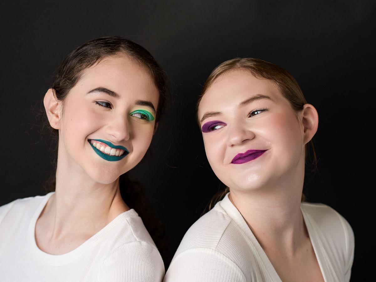 teenager-studio-portrait-session-best-friends