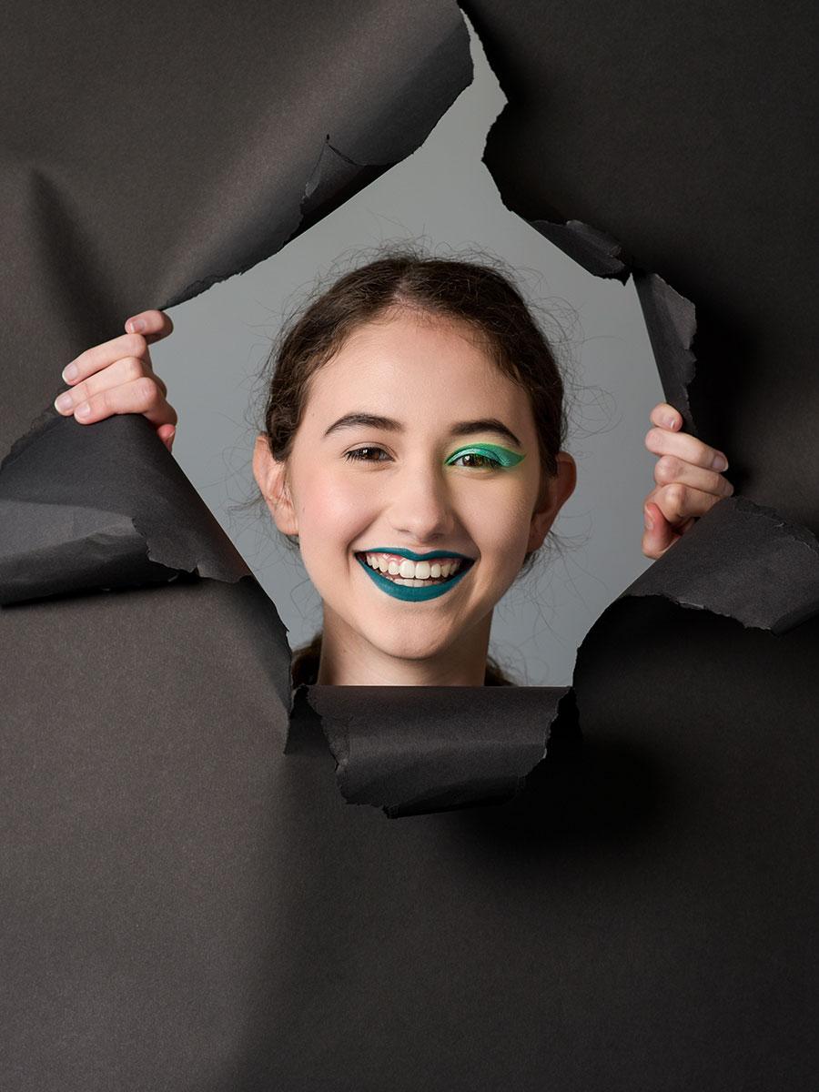 teenager-studio-portrait-session-green-lipstick