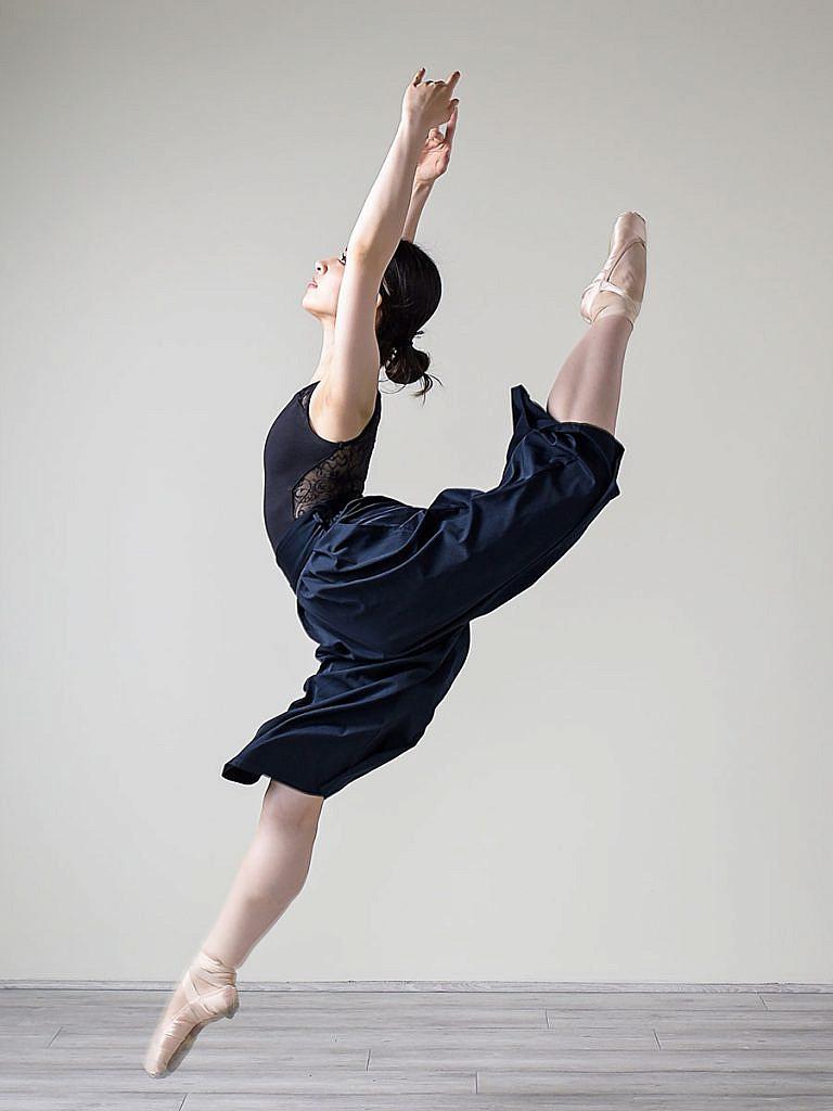ballerina-senior-picture-portland-city-studio
