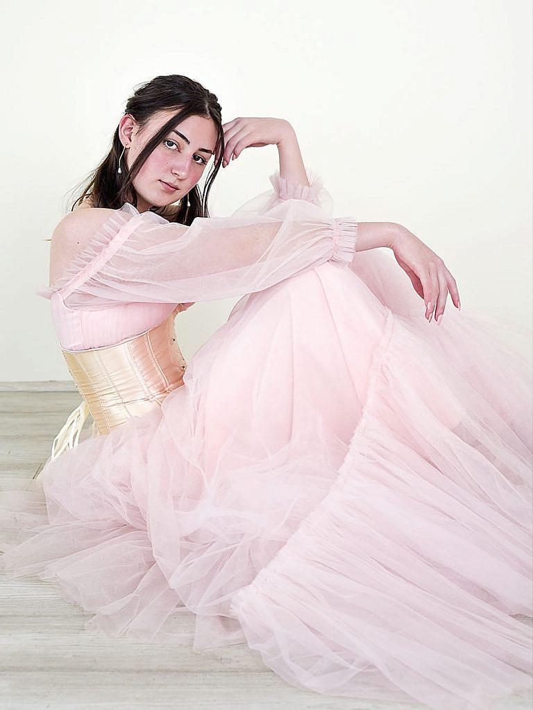 studio-senior-portrait-formal-dress-posing